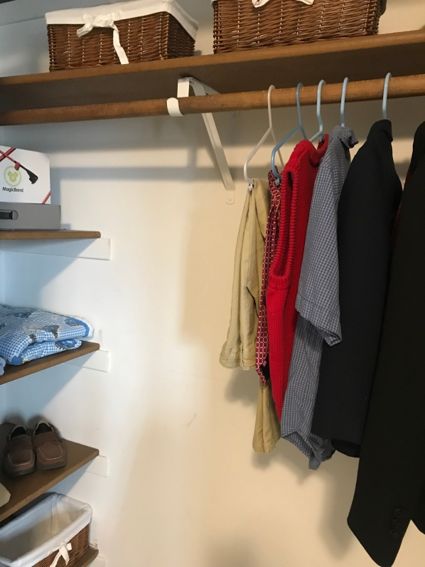 How should my closets look to sell a house