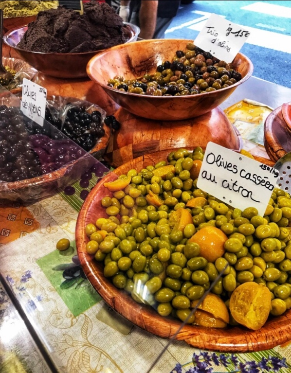 Italian olives, Mediterranean market, olive open market, pizza dough recipe